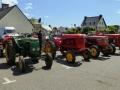 Esposition de tracteurs de l'association à Milizac